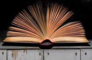 איך מוציאים ספר לאור באופן עצמאי