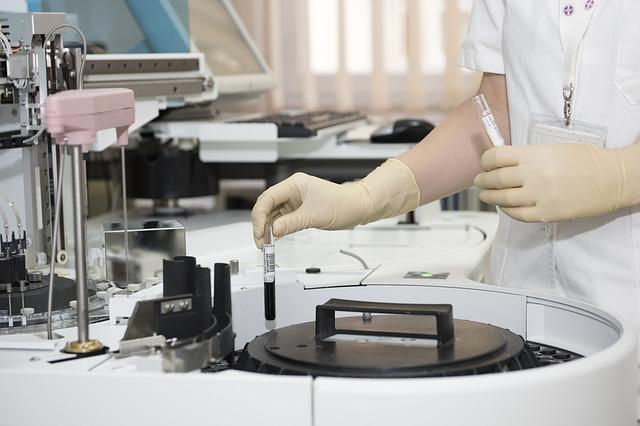 כיצד מוצאים כירורג כלי דם