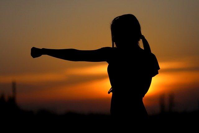 להרגשה אישית טובה, זה הציוד להגנה עצמית שאת צריכה להכיר