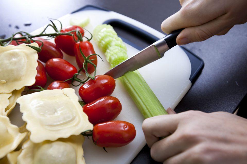 ארונות עליונים למטבח – מה חשוב להכיר לפני שקונים?