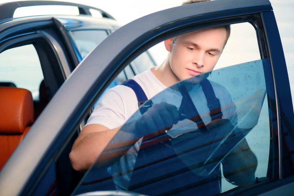 איפה אפשר לבדוק מחיר השחרת חלונות לרכב?