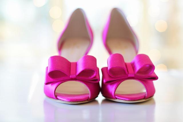 מאיזה גובה נעלי עקב לנשים כבר מזיקות לרגל?